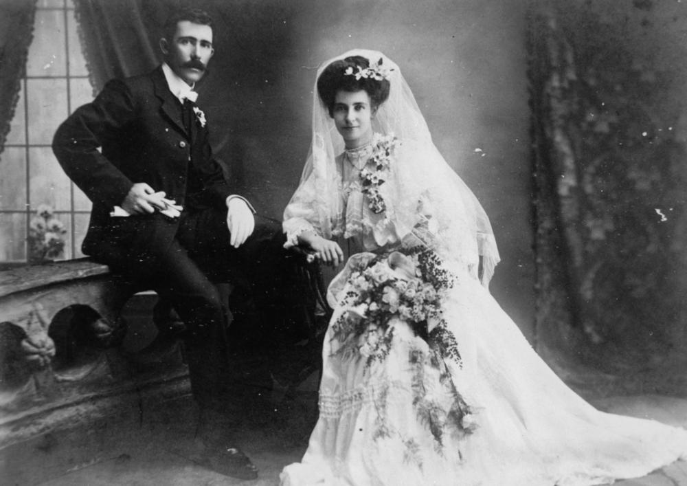 StateLibQld_1_92544_Bride_and_groom,_1900-1910