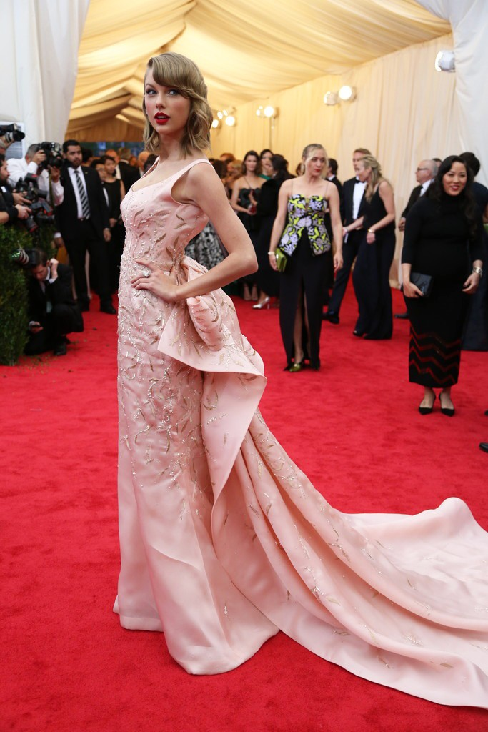 The Best Oscar de la Renta Red Carpet Looks | Farah Novias
