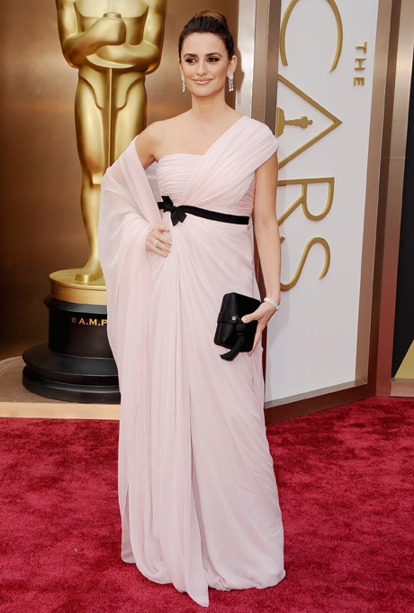 oscars-2014-best-dresses-penelope-cruz