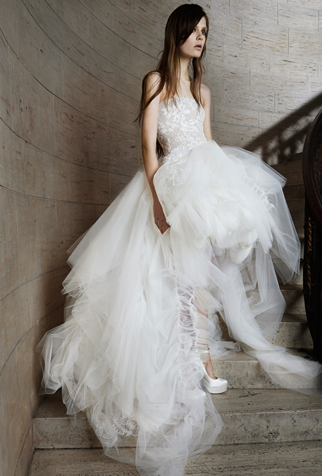 vera-wang-wedding-dresses-spring-2015-017
