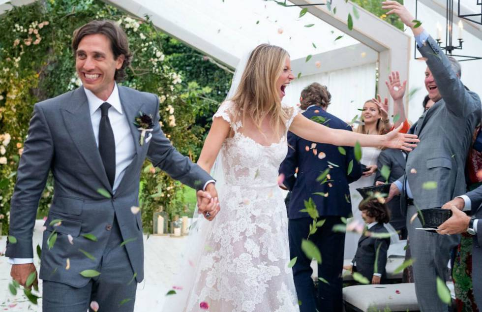 Gwyneth Paltrow Wedding Dress in Valentino