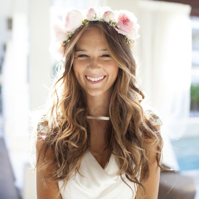 Loose Curls Bridal Hairstyle