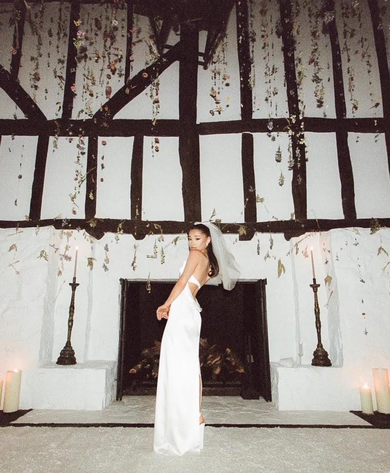 Ariana Grande wedding dress / Vera Wang