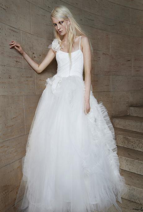 vera-wang-wedding-dresses-spring-2015-026